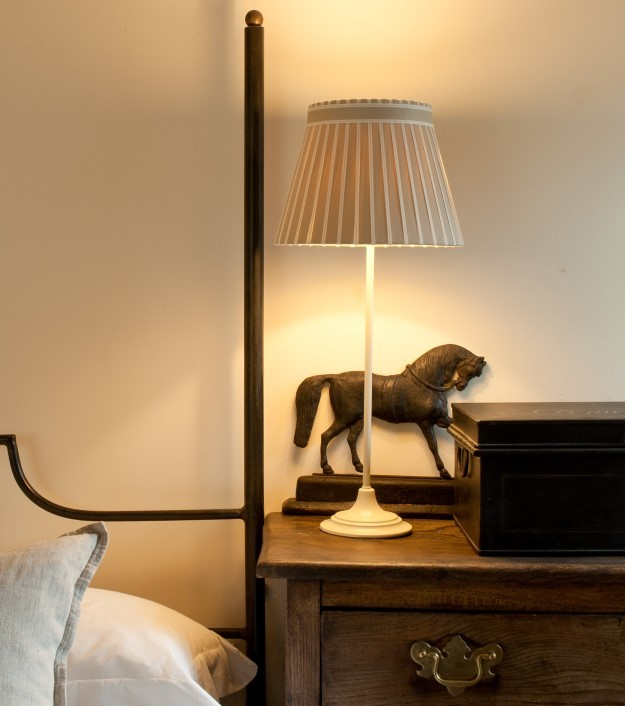 The hamilton broad stripe ribbon lamp shade collection